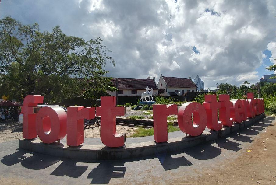 Foto Depan Benteng Roterdam di Makassar