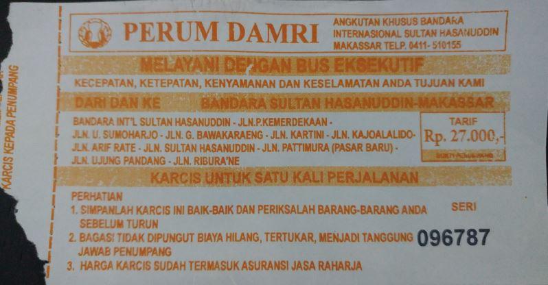 Foto tiket bus Damri dari Bandara Sultan Hasanuddin Makassar